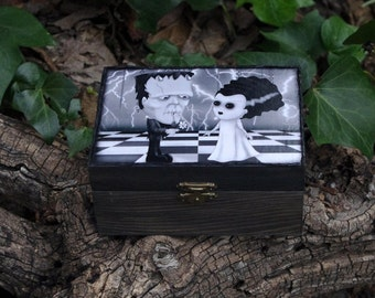 Gothic style wooden box. The monster of Frankenstein and the Bride. Decoupage and hand painted. Jewelry box.