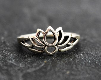 Sterling Silver Lotus Blossom Flower Ring - Size  9