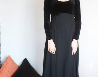 VTG 80s ALGO BOUTIQUE Black Fit & Flare Velvet/Chiffon Dress