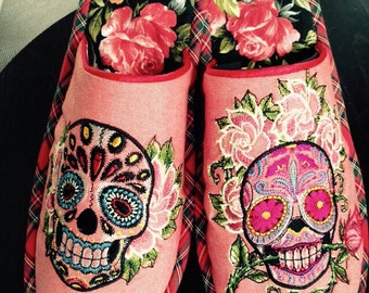 Unique design handmade wool and cotton embroidered slippers, man & woman gift - Funky Skull