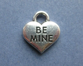 5 Be Mine Charms - Be Mine Pendants - Valentine Charm - Heart Charm - Antique Silver - 14.4mm x 16mm  -- (E1-10254)