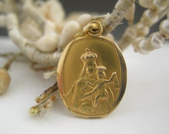 Our Lady of Scapular Sacred Heart vintage French Religious Medal Pendant gold 9k