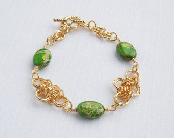Green imperial jasper and gold chainmaille bracelet