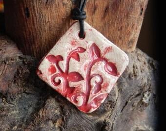 Red and White Vine Leaf Patterened Ceramic Necklace (Medium)