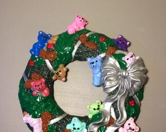 Ceramic Christmas Wreath, Bears, Ribbions, Christmas Decoration, Holiday Decoration,