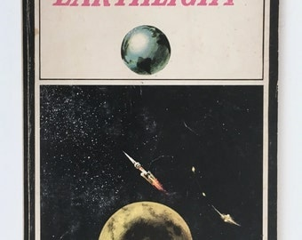 Earthlight, Science Fiction Paperback, Arthur C Clarke, Vintage, Ballantine Books Edition, Moon Colony, 1960s, Civilization on the Moon
