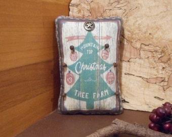 Christmas Tree Pillow Tuck: Primitive Rustic Christmas Tree  Americana Pillow Tuck.