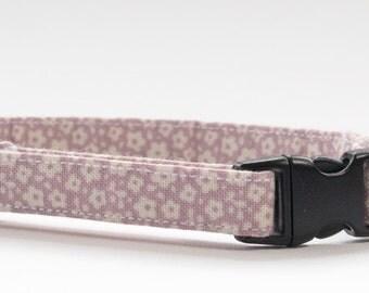 Cat collar made in Tilda Ilse lilac fabric