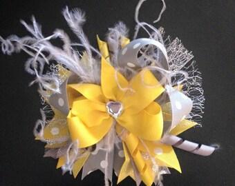 Yellow/ Gray/ White Feather Bow