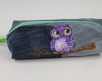 Boxy pencil case. Denim pencil case. Denim zippered pencil case with a cute owl. Denim pouch.