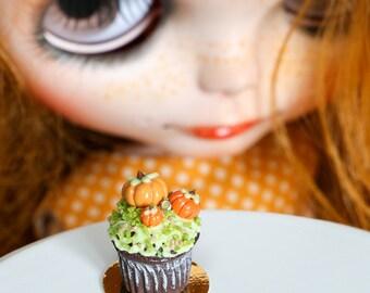 Halloween Pumpkin Patch Cupcake, Handmade for Blythe 1:6 Scale