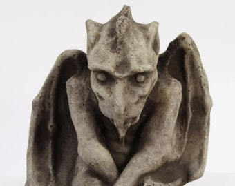 LG Sitting Gargoyle Concrete Statue Cement Igor French Sculpture European Cast Stone Figure All weather Statuary Garden statue Art