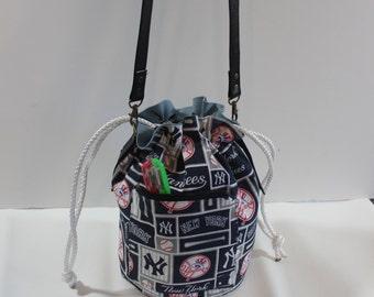New York Yankees Blue/White Drawstring cross body bag,  New York Yankees Blue/White bucket for woman, shoulder bucket bag