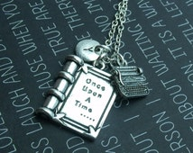 Literacy necklace, writers necklace, necklace for writer, author jewellery, typewriter, typing, writing gift, reading, library, librarian