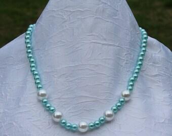 Péolas necklace in two different tones