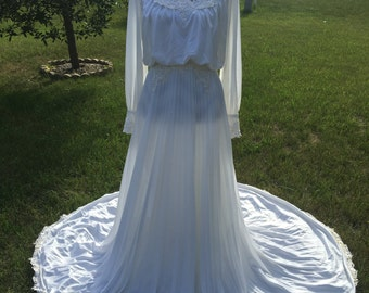 1980 white silky lacy pleated long wedding dress