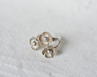 Sterling silver flowers open band, adjustable ring