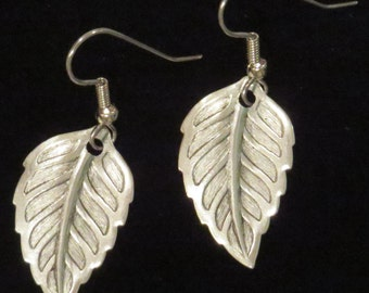 Leaf Earrings Leaves Autunm Fall 24 Karat Gold Plate or Oxidized Matte Silver ES446