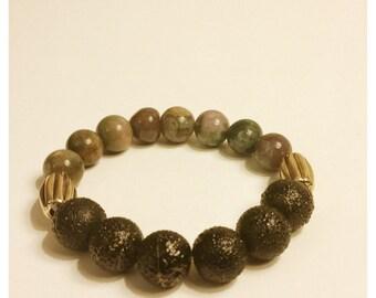 Black beaded elastic bracelet