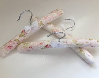 Baby Hangers, Pink Floral Hangers, Girl's Hangers, Baby Shower Gift, Baby Gift, Shabby Chic, Pink Floral Fabric, Baby Girl, Set of 3 or 6