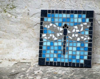 Mosaic dragonfly tile
