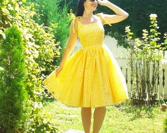 Pinup dress 'Hello Sunshine' yellow gingham rockabilly dress with daisies