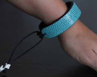 Genuine Stingray Bracelet/Stingray Leather/Genuine Exotic Leather (Turquoise)