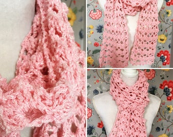 Crochet pink scarf with glitters