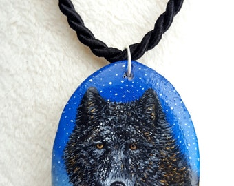 Pendants Wolf, with gold leaf hand painted