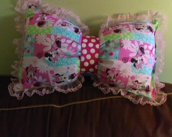 Lace Minnie Bow Pillow