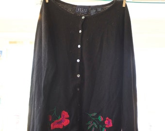 Soft and Simple Black Sweater Embroidered with Poppies