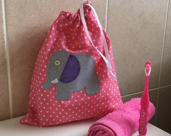 Applique Kids Washbag (pink spot/grey elephant)
