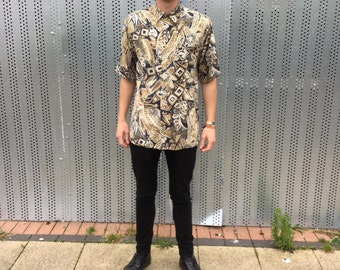 Short sleeved mens vintage shirt. 80s indie style, viscose. Size M.