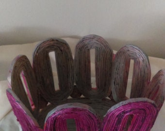 A beautiful basket with recycled newspaper