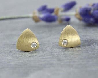 Earrings gold 750 / - with brilliant, mini triangle, handmade