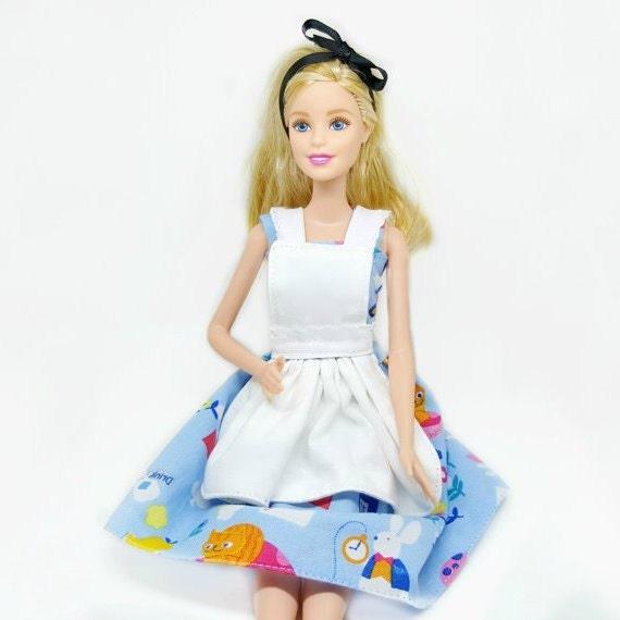 Alice in Wonderland Barbie Doll Dress Barbie doll от TwoMDollShop Alice in Wonderland Barbie Doll Dress, Barbie doll costume, Barbie Clothes, fairytale Doll Dress, Barbie Fashion outfit, Barbie Blue dress - 웹