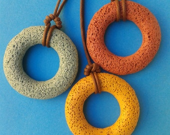 Colored lava necklace, pendant, aromatherapy diffuser, circle, Donuts
