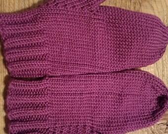 Classic knit mittens