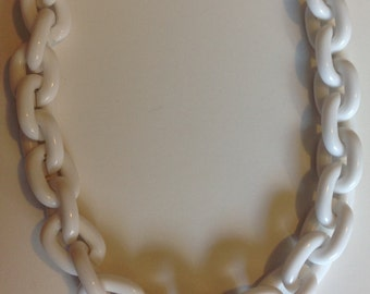 Vintage White Plastic Chain Chunky