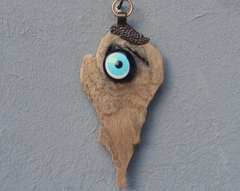 Driftwood Evil Eye Wall Hanging - Beach Home Decor