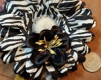 GARDEN ZEBRA - Black and White Floral Hair Fascinator