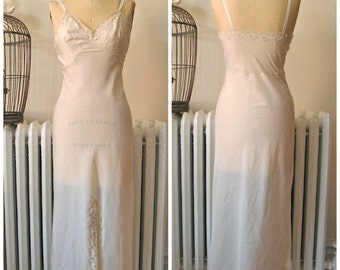 Charlotte | Vintage 1960s Wonder Maid Pale Peach Pink Full Slip with Ivory Lace and Front Slit- Long Length