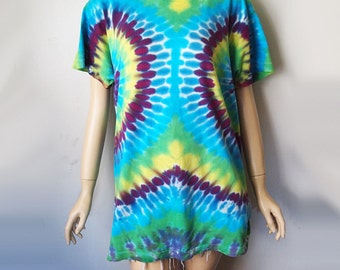 ME GUSTA // Vintage Tie Dye Shirt Very Soft Green Purple Blue Hippie Tshirt Deadhead 1990s Grunge Acid LSD Unisex Small Medium