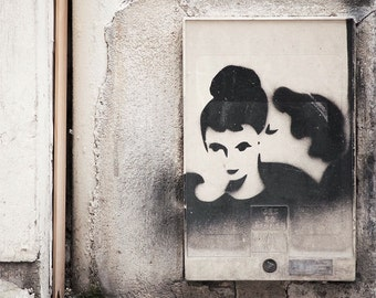 "SALE! Paris Photography, ""Graffiti Kiss"" Large Art Print, Modern Wall Art, Minimalist Fine Art Photography Paris Print, Gift for Her"