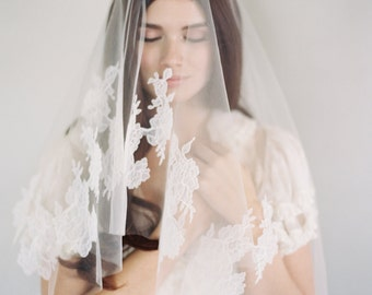 Soft Ivory Chantilly Lace, Quality Lace Veil, Blusher, Delicate Lace, Drop Veil, Chantilly Ivory Veil, Bridal Veil, Chantilly Veil, 1621