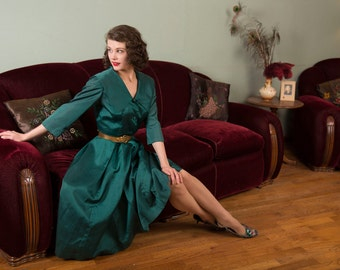 Vintage 1950s Dress - Rich Emerald Green Day to Evening Dress with Wide Collar and Box Pleated Skirt