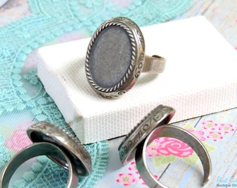Oval Silver Ring Blank base setting for 13x18mm cab , Adjustable mid band , oxidized rustic , Sterling Silver plated , Boho ring bezel