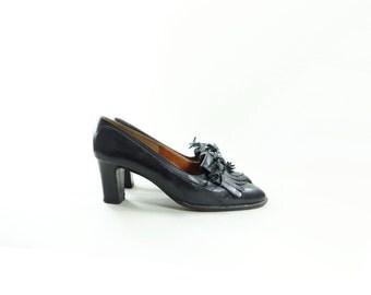 Vintage Black Loafer, 90s Loafer Heel, Kiltie Fringe Heels, Block Heel Loafer, 90s Vintage Shoes, Black Loafer Heel, Black Chunky Heel, 7.5