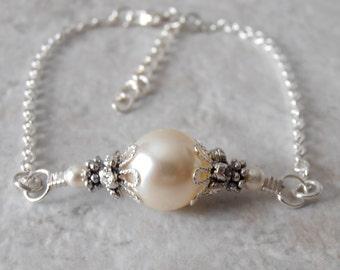 Bridesmaid Bracelet Cream Pearl on a Chain Bracelet Simple Pearl Bracelet Swarovski Pearl Bridal Jewelry Minimalist Wedding Jewelry