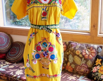 Mexican Dress, Embroidered Mexican, Yellow Mexican dress, Frida Kahlo dress, Mexican sun dress, size L